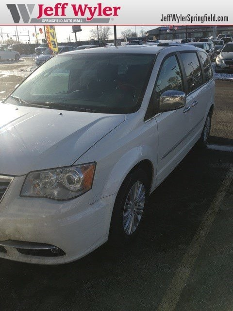 2012 Chrysler Town & Country Limited Wagon