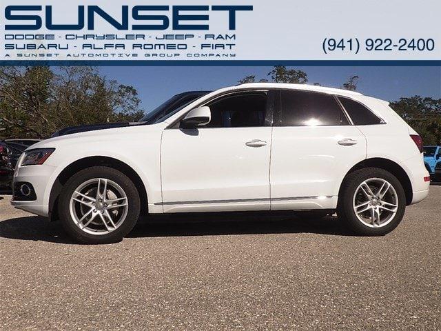Photo Used 2015 Audi Q5 Premium Plus quattro 2.0T Premium Plus for sale in Sarasota FL