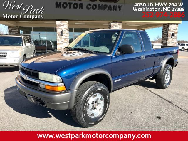 Photo 2003 Chevrolet S10 Pickup LS Ext. Cab 4WD