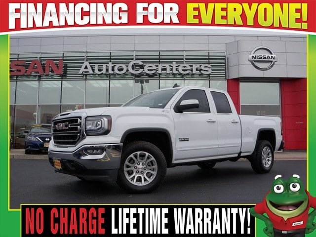 Photo Used 2016 GMC Sierra 1500 SLE 4WD Texas Edition Z-71 For Sale Near St. Louis