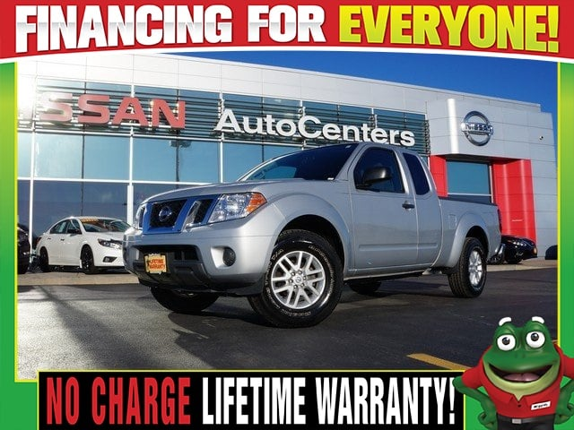 Photo Used 2015 Nissan Frontier SV - 5 Speed Manual - Bed Liner For Sale Near St. Louis