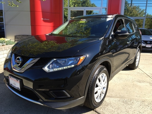 Photo Certified Pre-Owned 2015 Nissan Rogue S SUV For Sale in Wilton, CT