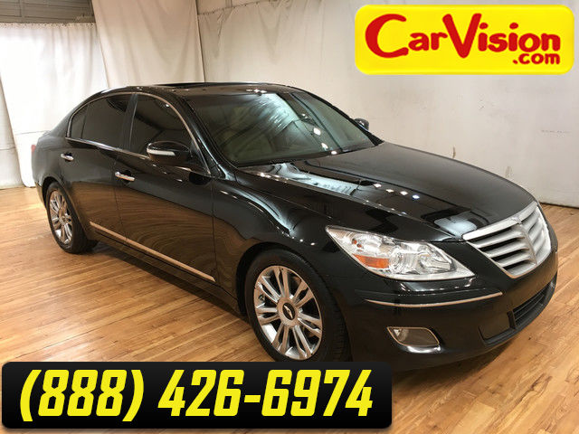 Photo 2011 Hyundai Genesis V-8 NAVIGATION LEATHER MOONROOF REAR CAMERA SWEET CAR FOR THE MONEY