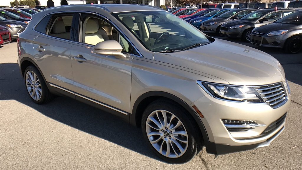 Photo Certified Pre-Owned 2015 Lincoln MKC Reserve FWD 4D Sport Utility