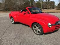Pre-Owned 2004 Chevrolet SSR RWD 2D Standard Cab
