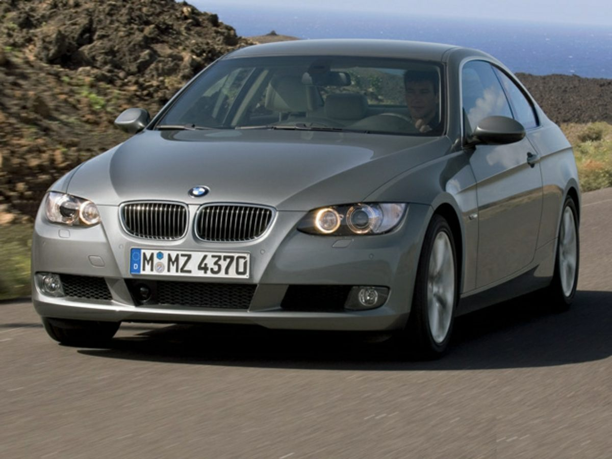 Photo Pre-Owned 2007 BMW 3 Series 335i RWD 2D Coupe