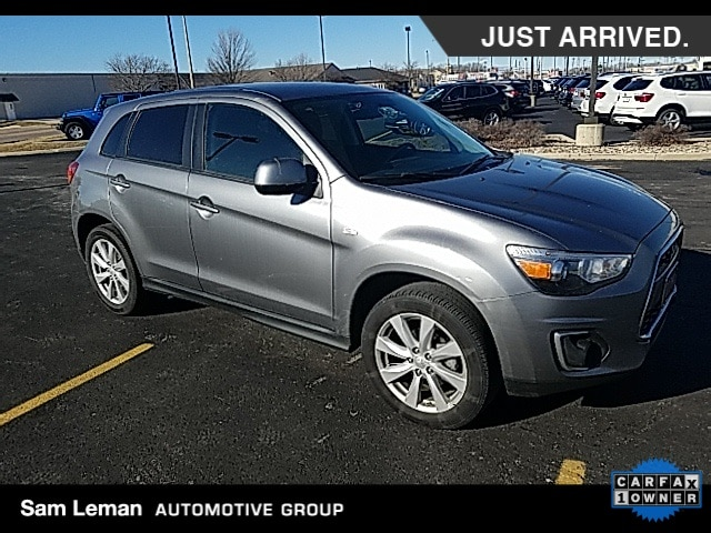 Photo Used 2013 Mitsubishi Outlander Sport ES SUV in Bloomington, IL