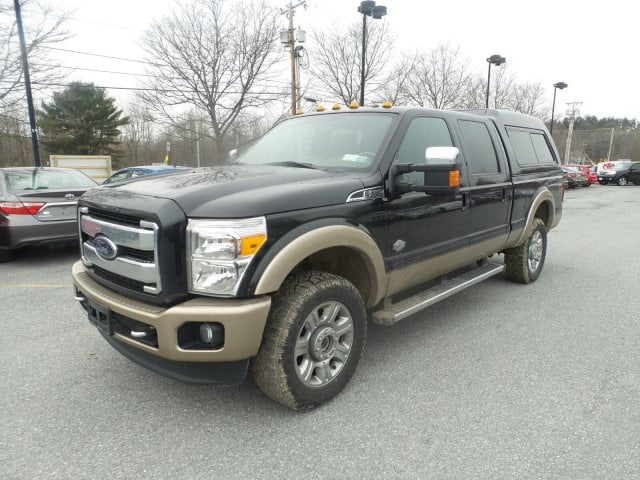 Photo Used 2014 Ford F-250 XL 6.7L 4 Valve Power Stroke Diesel V8 Truck Crew Cab 4x4 in Bennington, VT