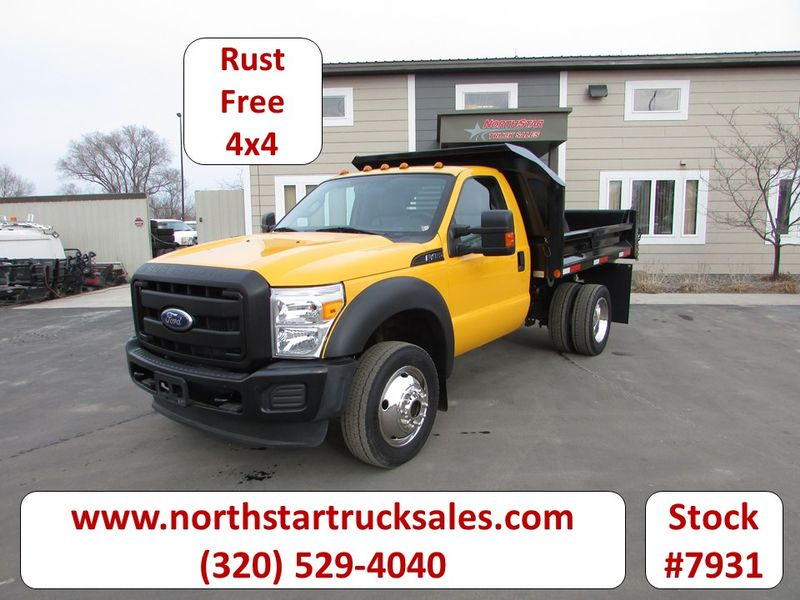 Photo Used 2011 Ford F-450 4x4 Dump Truck