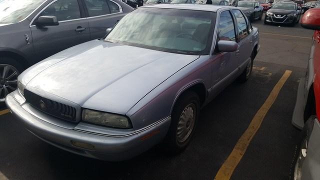 Photo 1996 Buick Regal Custom Sedan