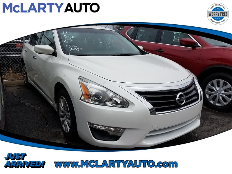 Photo Pre-Owned 2014 NISSAN ALTIMA 2.5 Front Wheel Drive 4dr Car