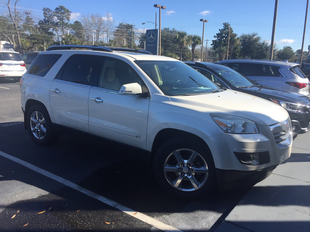 Photo Pre-Owned 2008 Saturn Outlook XR Front Wheel Drive SUV