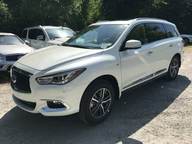 Photo Pre-Owned 2017 INFINITI QX60 DRIVERS ASSISTANCE All Wheel Drive SUV