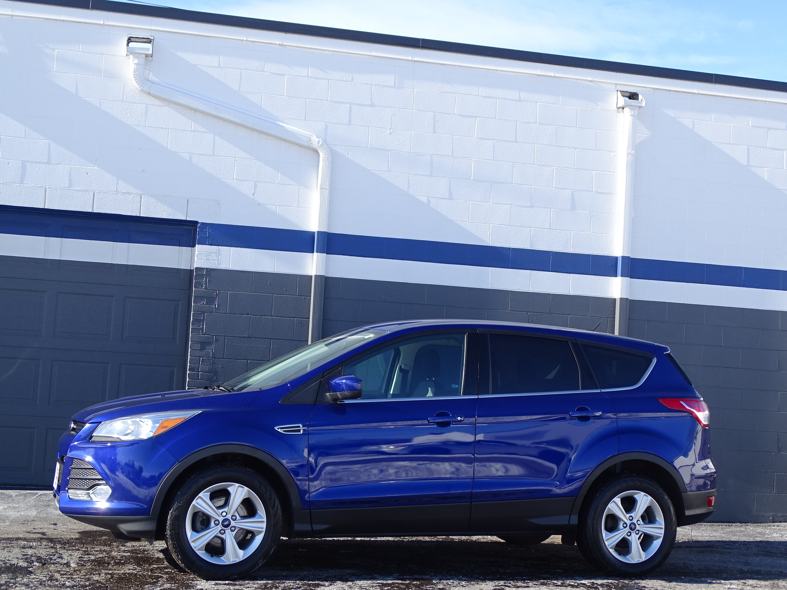 Photo Used 2015 Ford Escape For Sale  Heath OH