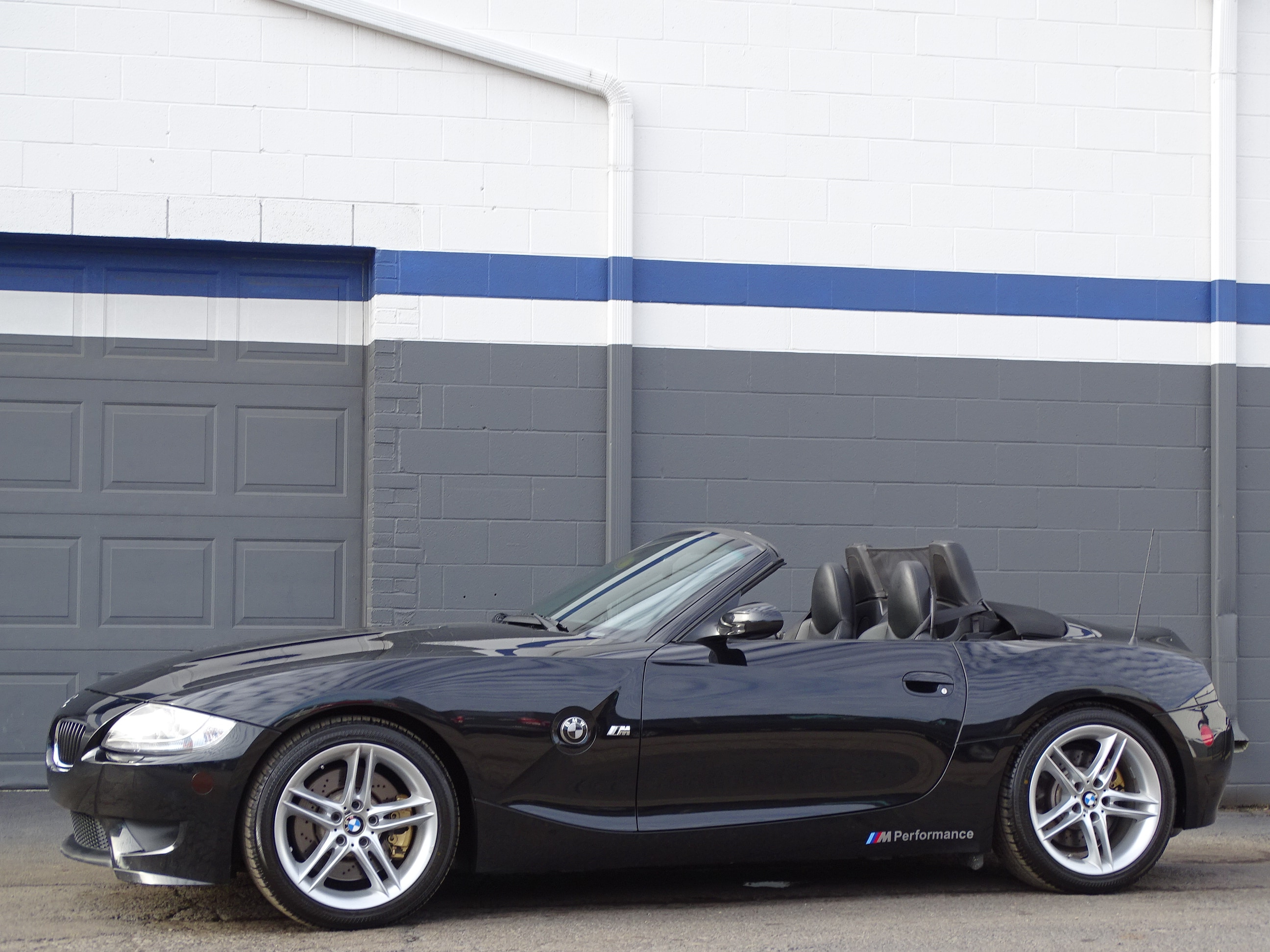 Photo Used 2007 BMW M For Sale  Heath OH