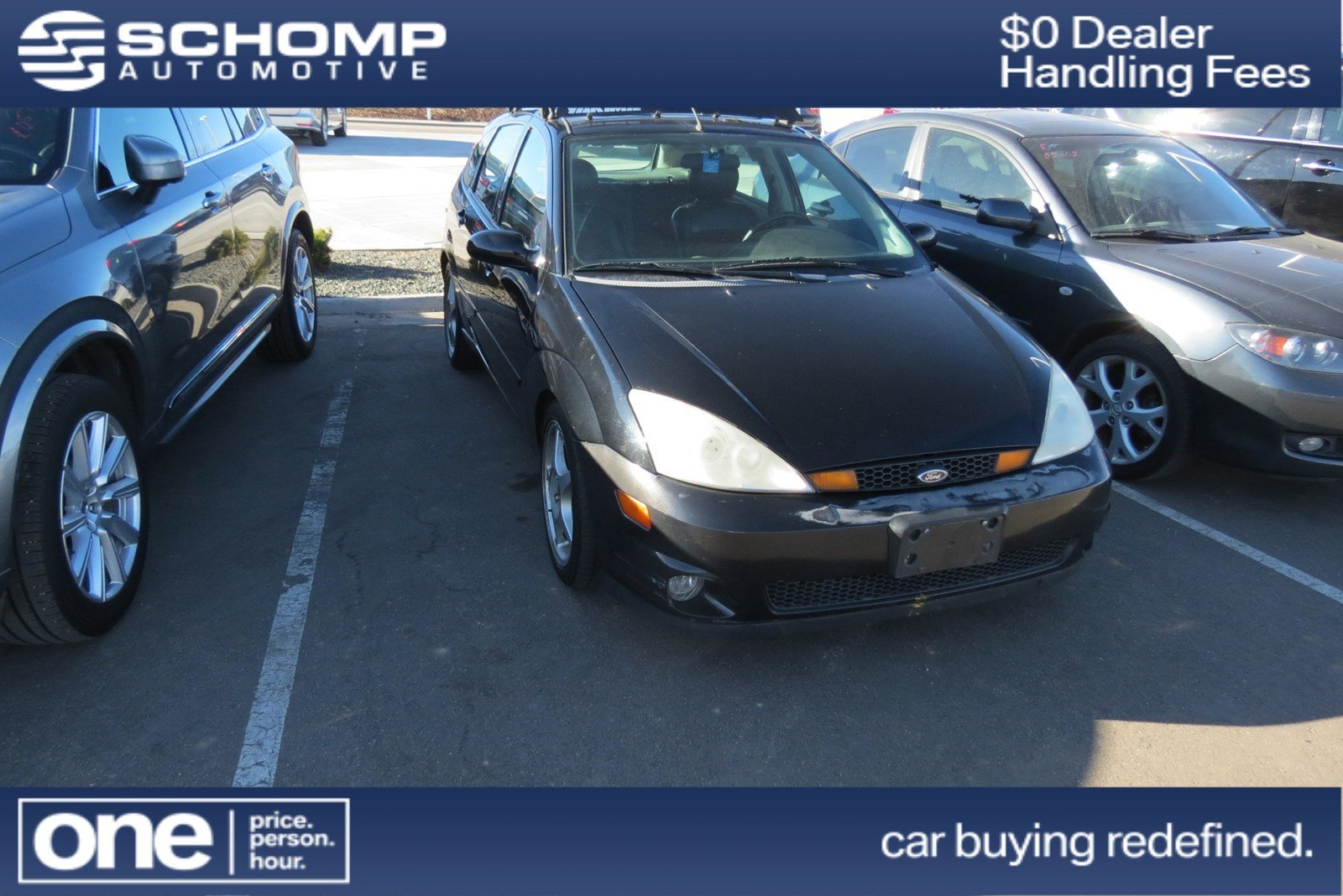 Photo Pre-Owned 2003 Ford Focus SVT FWD 4dr Car