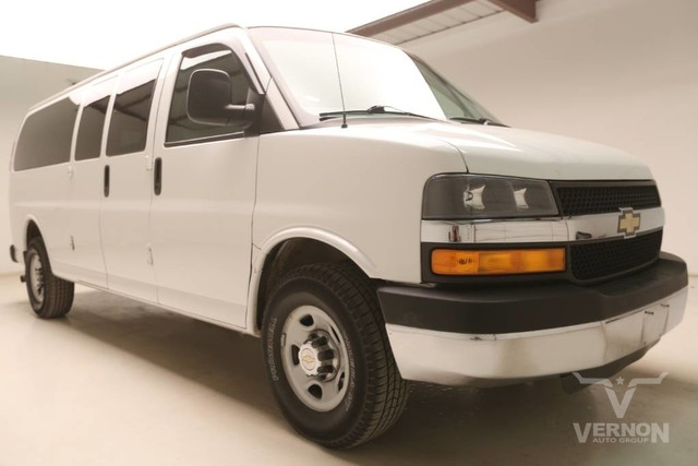 Photo Used 2014 Chevrolet Express Passenger LT 3500 2WD in Vernon TX