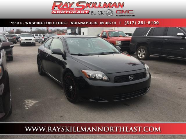 Photo Pre-Owned 2009 Scion tC 2dr HB Auto Natl FWD 2dr Car