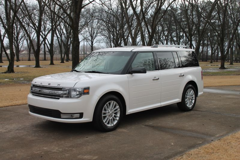 Photo Used 2015 Ford Flex SEL 1 Owner Perfect Carfax