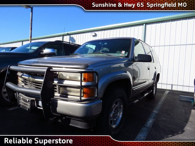 Photo 2000 Chevrolet Tahoe Z71 SUV 4WD For Sale in Springfield Missouri