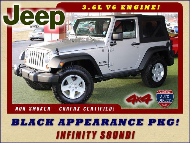 Photo 2012 Jeep Wrangler Sport 4X4 - BLACK APPEARANCE PKG