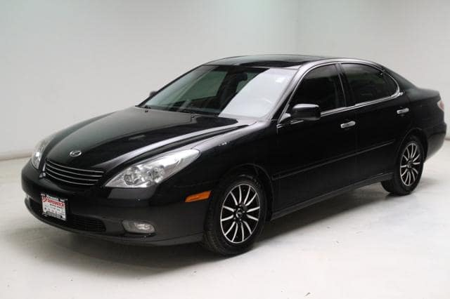 Photo Used 2002 LEXUS ES 300 4dr Sdn in Brunswick, OH, near Cleveland