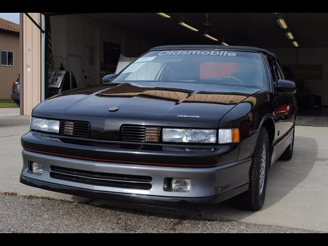 Photo 1988 Oldsmobile Cutlass Prototype Convertible 1 of 1 GM Heritage for sale in Flushing MI