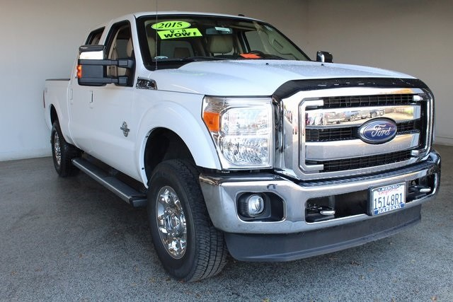 Photo Used 2015 Ford F-250 Lariat Truck Crew Cab in Merced, CA