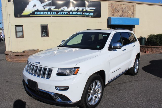Photo Certified Pre-Owned 2014 Jeep Grand Cherokee Summit HEMI V8 Four Wheel Drive SUV