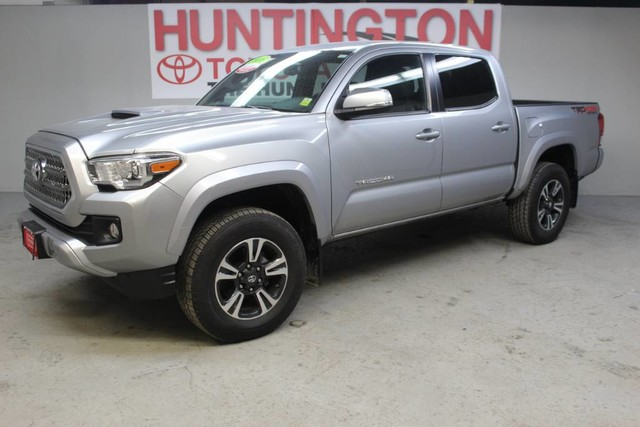 Photo Certified Pre-Owned 2016 Toyota Tacoma TRD Sport Four Wheel Drive Pickup Truck