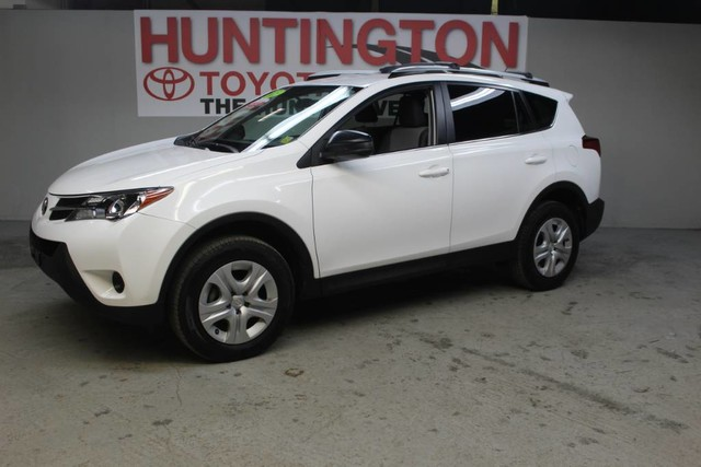 Photo Certified Pre-Owned 2015 Toyota RAV4 LE All Wheel Drive SUV