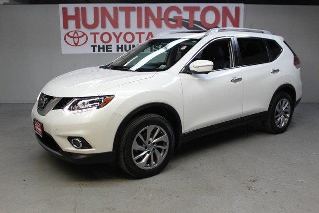 Photo Pre-Owned 2015 Nissan Rogue SL All Wheel Drive SUV