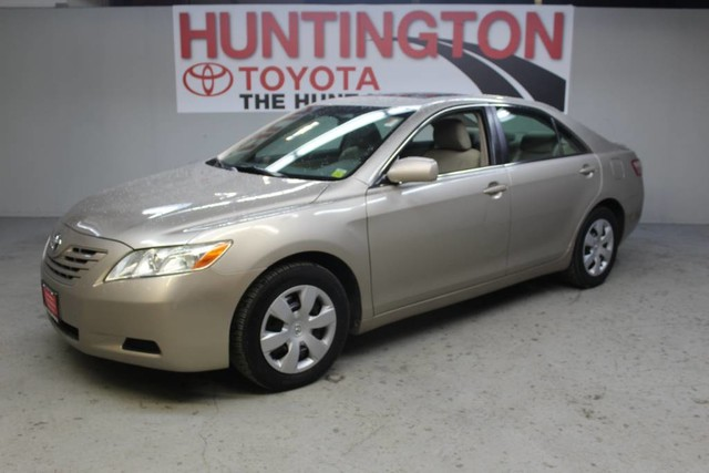 Photo Pre-Owned 2007 Toyota Camry LE Front Wheel Drive Sedan