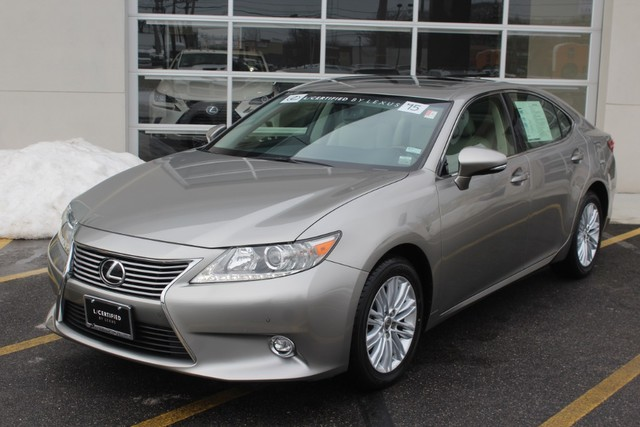 Photo Certified Pre-Owned 2015 Lexus ES 350 Navigation With Navigation