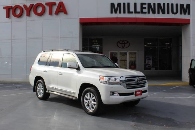 Photo Certified Pre-Owned 2016 Toyota Land Cruiser 4dr 4WD Four Wheel Drive SUV