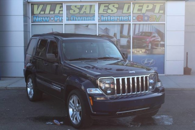 Photo Pre-Owned 2012 Jeep Liberty Limited Jet Four Wheel Drive SUV