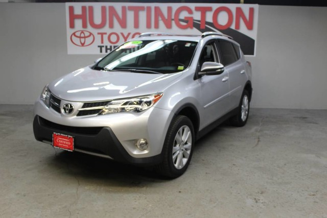 Photo Certified Pre-Owned 2015 Toyota RAV4 Limited All Wheel Drive SUV