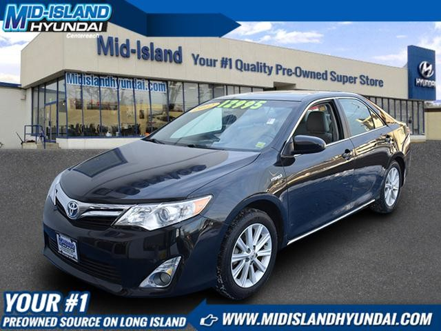 Photo Pre-Owned 2012 Toyota Camry Hybrid XLE Front Wheel Drive Sedan