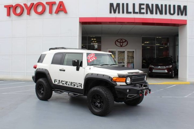 Photo Certified Pre-Owned 2014 Toyota FJ Cruiser 4WD 4dr Auto Four Wheel Drive SUV
