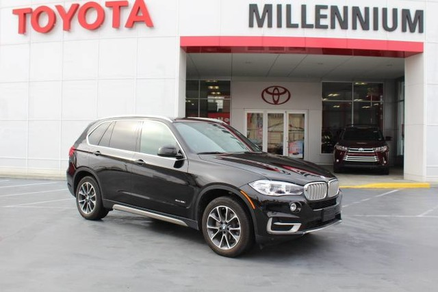 Photo Pre-Owned 2017 BMW X5 xDrive35i Sports Activity Vehicle All Wheel Drive SUV