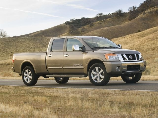 Photo Used 2014 Nissan Titan Truck Crew Cab For Sale in Dublin CA