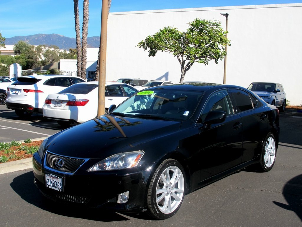 Photo Pre-Owned 2006 Lexus IS 350 Auto RWD 4dr Car