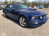 2006 Ford Mustang Convertible V-8 cyl