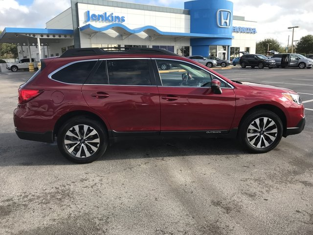 Photo Used 2015 Subaru Outback 3.6R Limited SUV For Sale Leesburg, FL