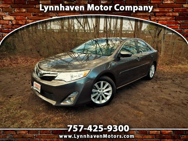 Photo 2014 Toyota Camry XLE w Navigation,Sunroof,Leather,18k Miles