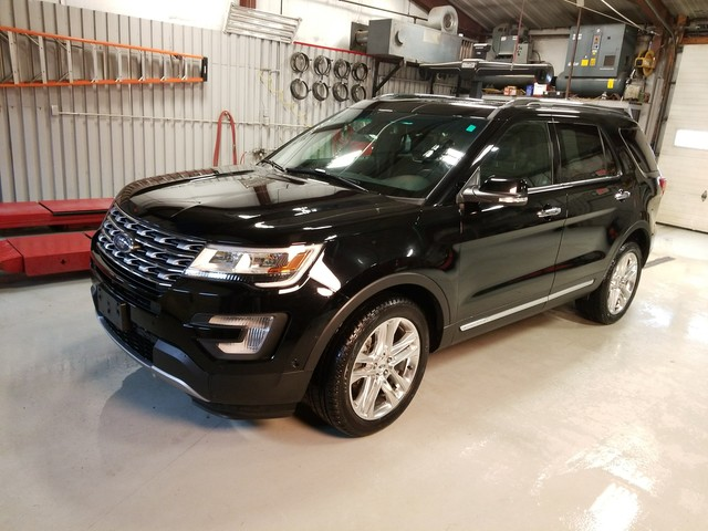 Photo 2017 Ford Explorer LTD 301A