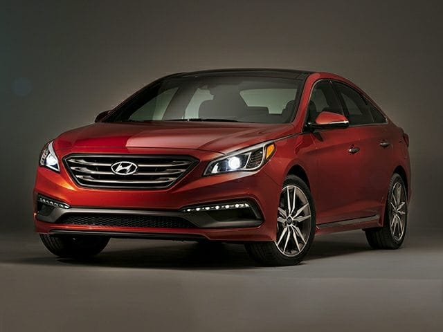 Photo Used 2015 Hyundai Sonata Sedan for Sale in Greenville, TX