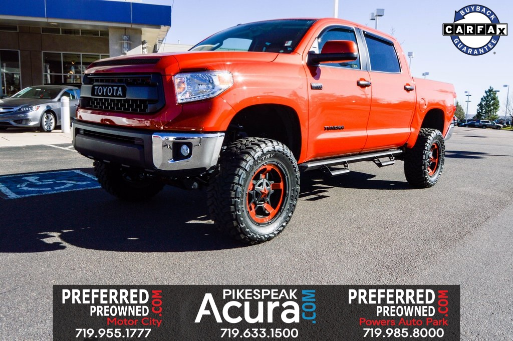 Photo Pre-Owned 2017 Toyota Tundra SR5 CUSTOM LIFT WHEELS TIRES 4WD