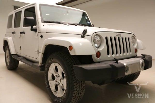Photo Used 2013 Jeep Wrangler Unlimited Sahara 4x4 in Vernon TX