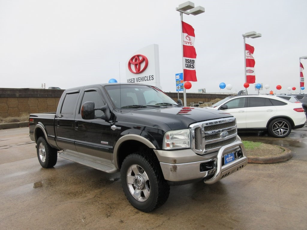 Photo Used 2007 Ford F-250SD King Ranch Truck 4WD For Sale in Houston